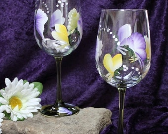 Hand Painted Wine Glasses (Set of 2) - Butterfly