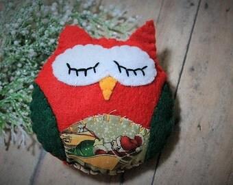 Owl ornaments-Christmas owl-Handmade felt ornament-owl decor-Christmas decor-santa sled-red and green-Holiday gift-ready to ship