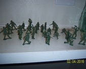"1970's Lot of 25 Oive Green Toy Figural Army Men 2 1/2"" Tall Lot 2"