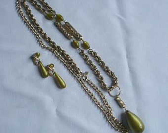 Vintage Sarah Coventry-Long Necklace & Earrings-Green Pendants