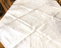 Vintage Damask Linen Tablecloth, Fine Linen Tablecloth, Beautiful Scrolls and Leaves Pattern, Excellent Condition, 1960s