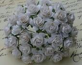 """20 White Open Roses 15mm (1/2"""")"""