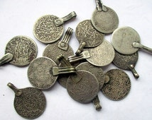 North Africa coin silver Marrakech Morocco Maroc coin jewelry Islam dinar dirham currency cash amber Faouzi necklace necklace India