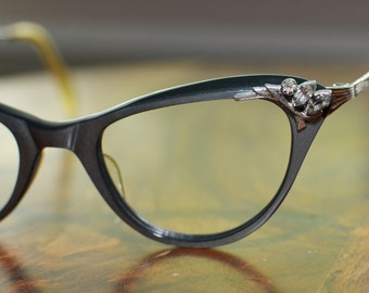 Unique Vintage Silver, Black, and Rhinestone NOS Cat Eyeglasses 44/18 American Optical Discount Price
