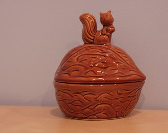 Vintage Walnut Dish with Squirrel- Made in Taiwan