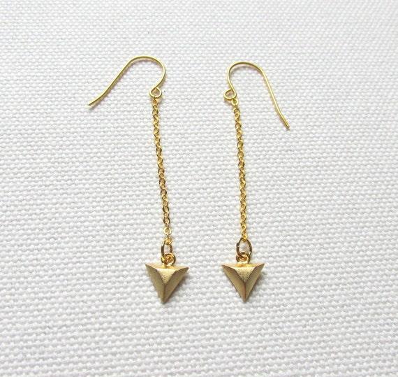 gold triangle dangle earrings minimal long earrings geometric. Black Bedroom Furniture Sets. Home Design Ideas