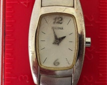 Vintage Ladies Watch, Pretty Practical Pulsar, Womens Pulsar Watch, Chrome Plated Case, Matching Band, Quartz Battery Watch, Rectangular