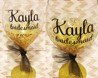 Bridesmaids Wine Glass - Bridesmaid Gift -Bridal Party Gifts - Wedding Party Gift - Wedding Favors - Personalized Wedding Party Gifts