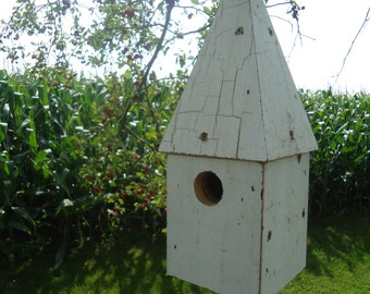 White chipped paint birdhouse - Salvaged wood birdhouse - Hanging birdhouse - Rustic birdhouse - Pine wood birdhouse - Painted birdhouse
