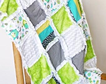 Owls baby boy's crib rag quilt