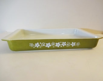 Pyrex Spring Blossom Lasagna Pan - 933 - Large Baker Pan - Crazy Daisy - Collectible - Vintage Kitchen Decor - Green and White