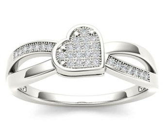 10Kt White Gold Diamond Heart Ring