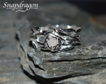 Fine silver PMC organic ring set with a clear spinel stone. Size UK P US 8