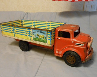 "1950's Marx Metal ""Lazy Day Farms"" Truck"