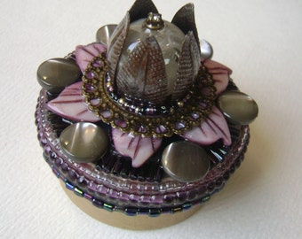 round assemblage box, steampunk flower