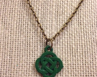 "16"" Kelly Green Celtic Knot Necklace"