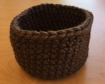 Crocheted bowl - brown