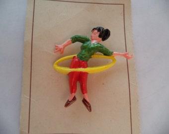 Vintage Fabulous Original 40/50s Celluloid or Plastic Hula Hoop Lady Brooch/Pin