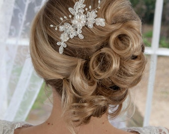 Lace and Freshwater pearl hair pin