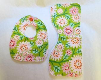 Modern Flowers Bib & Burp Cloth set