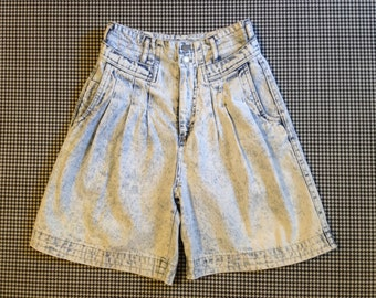 1980's, high waist, pleated front, acid wash, denim shorts, Women's size 3