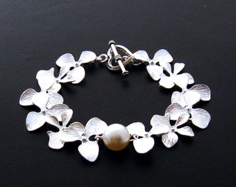 Orchid Bracelet Flower Bracelet, Pearl and Orchid Jewelry Orchid Wedding Jewelry, Bridal Bridesmaid Bracelet Orchid Jewelry Gift Mothers Day