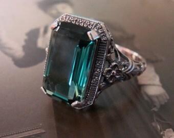 Lovely Sterling Filigree Emerald Ring  Size 8.5