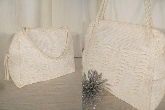 Retro Handbags, Purses, Wallets, Bags Vintage 1950s Handbag - 1950s Box Purse White Handbag Wedding Handbag Small White Woven Tapestry Bag $32.00 AT vintagedancer.com