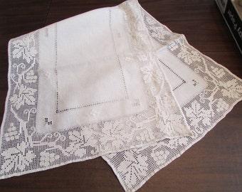 Vinyard beauty vintage hand made Italian BURATO Darned Net white LINEN RUNNER with grape, leaf and vine border D-103