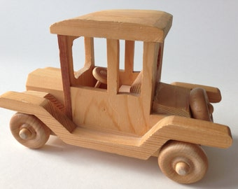 Handmade Natural Wood Retro Car Toy Moving Wheels Large 7.5 x 5