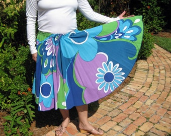 Vintage Tablecloth Circle Skirt - MOD 60's French Flowers - Vive Flower Power!