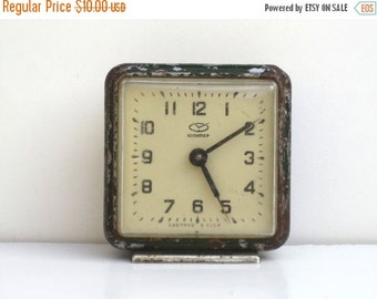 ON SALE Vintage Green Mechanical Alarm Clock / Made in CCCP