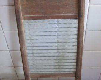Small glass wash board