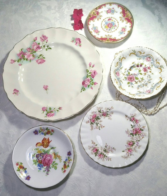 vintage decorative wall plates instant pink wall art display. Black Bedroom Furniture Sets. Home Design Ideas