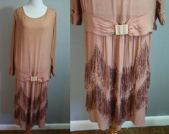 1920's Dress // Mauve Art Deco with Fringe // Medium