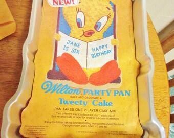 wilton big bird cake pan instructions
