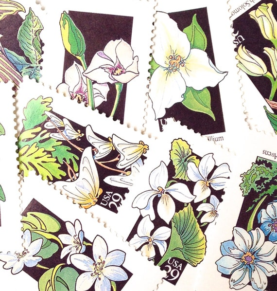 10 Vintage White And Green Floral Stamps // Unused 29 Cent