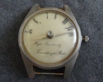 Vintage High Sensitivity Transistorized Radio Clock Shaped like a Watch