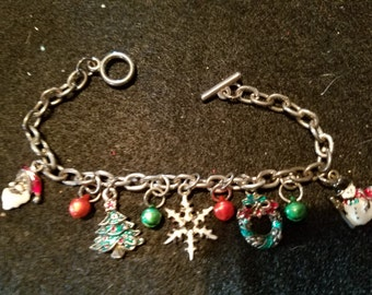 Vintage Christmas Charm Bracelet W/Charms