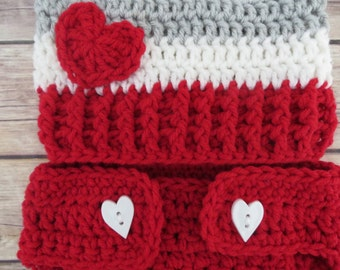 VALENTINE'S DAY PomPom Stocking Hat Diaper Cover Photo Props, Newborn Props, Baby Shower Gift, preemie, newborn up to 6 months, Grey, Red