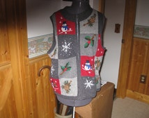 Vtg Victoria Jones Festive Gray Snowman Snowflakes and Woodland Scene Wool blend Ugly Christmas Vest  Med  zip front Free ship