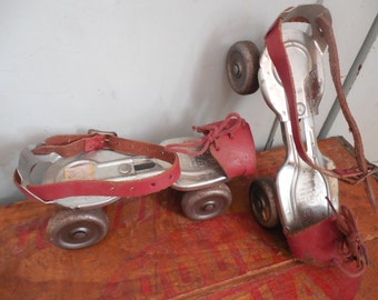 Adorable Vintage Adjustable Roller Skates