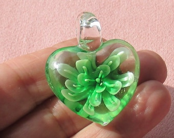 Retro Blown Glass Green Flower Heart Shaped Pendant
