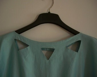 Sale: Hand Made Green Dress, Size ~ M
