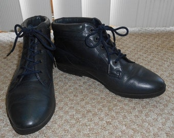 ON SALE Vintage 90's Blue Leather Lace Up Boots - Size 6 M