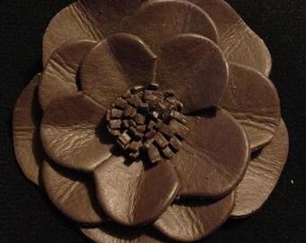 Brooch leather flower