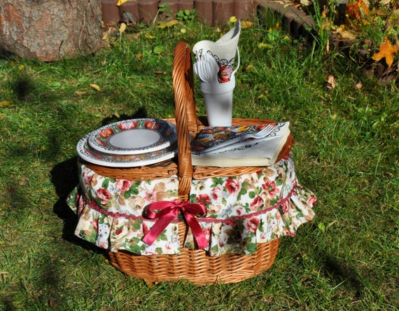 Picnic Basket Items : Items similar to picnic basket set wicker