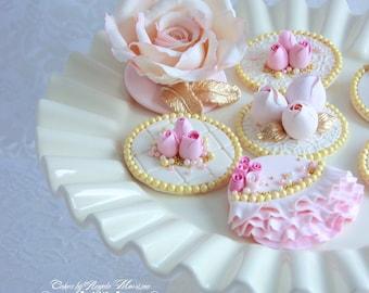 Set of vintage cupcake/cookie toppers. (12)