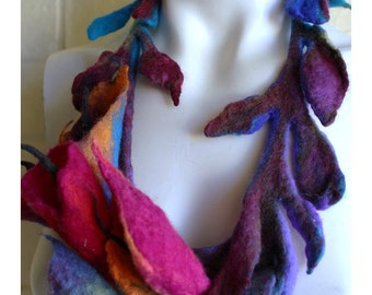 Bouquet of Calla  Lilies hand felted necklace