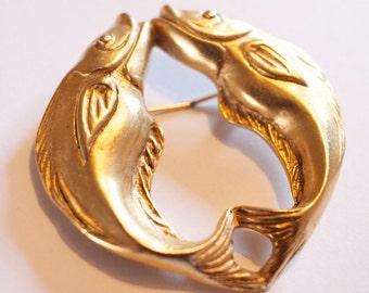 Golden Twin Fish vintage fashion brooch c.1980s